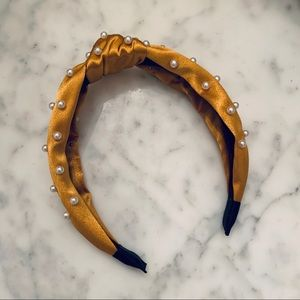 Knotted Headband with Pearls in Golden Yellow